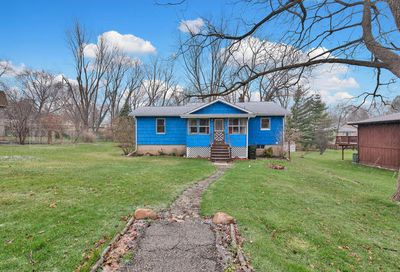 9 Indian Trail Lake In The Hills IL 60156
