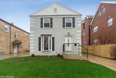 5528 North Olcott Avenue Chicago IL 60656