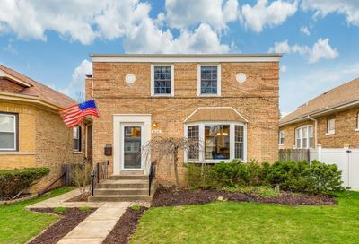 810 Portsmouth Avenue Westchester IL 60154