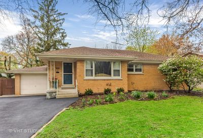 409 East Hillside Road Naperville IL 60540