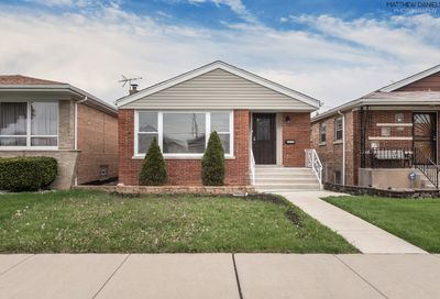 7939 South Whipple Street Chicago IL 60652