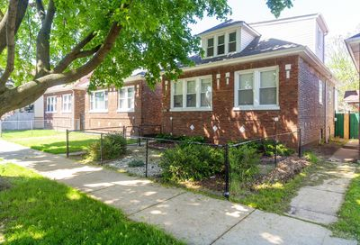 7118 South Maplewood Avenue Chicago IL 60629