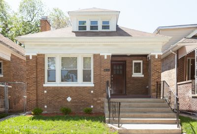 8224 South Kenwood Avenue Chicago IL 60619