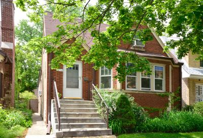 6712 North Fairfield Avenue Chicago IL 60645