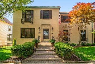 1705 West Rosehill Drive Chicago IL 60660