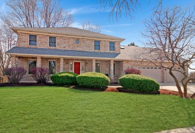704 South Whispering Hills Drive Naperville IL 60540