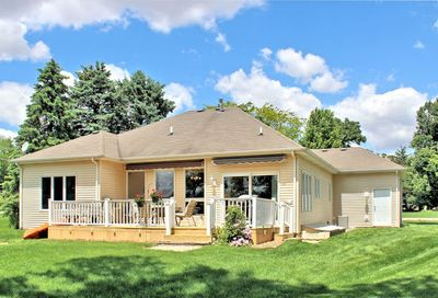 279 Easy Street Lake Holiday IL 60552