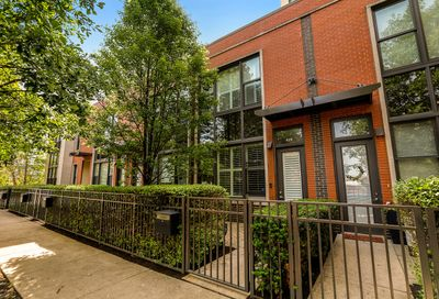 629 West Oak Street Chicago IL 60610