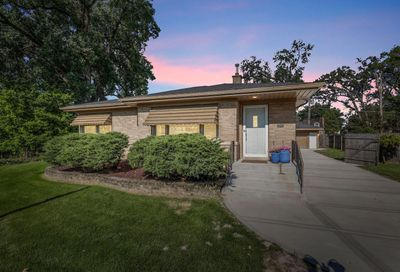 2217 Downing Avenue Westchester IL 60154