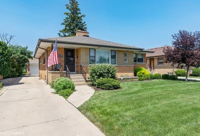 8016 Country Club Lane North Riverside IL 60546