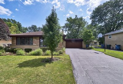 6823 West Edgewood Road Palos Heights IL 60463