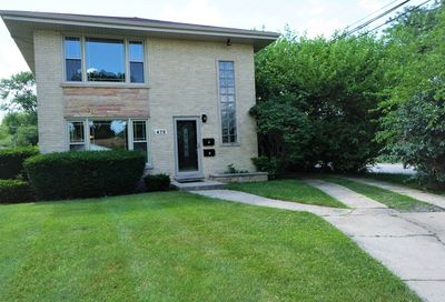 472 Northgate Court Riverside IL 60546