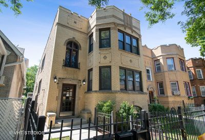 6118 North Campbell Avenue Chicago IL 60659