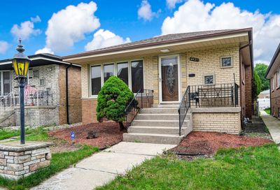6931 West 64th Street Chicago IL 60638