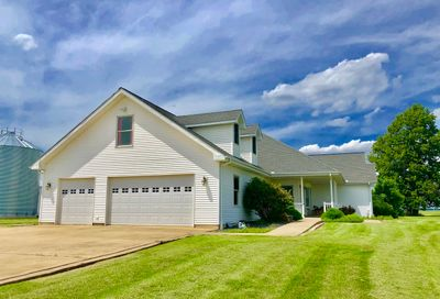 4105 East 13th Road Earlville IL 60518