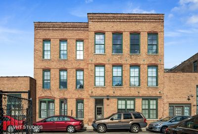 1237 North Honore Street Chicago IL 60622