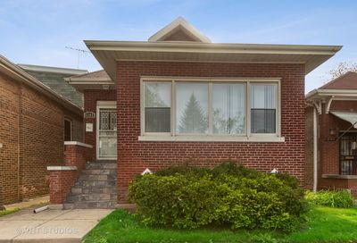 8208 South Kenwood Avenue Chicago IL 60619