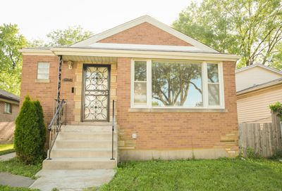 8914 South Carpenter Street Chicago IL 60620