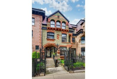 38 East Schiller Street Chicago IL 60610