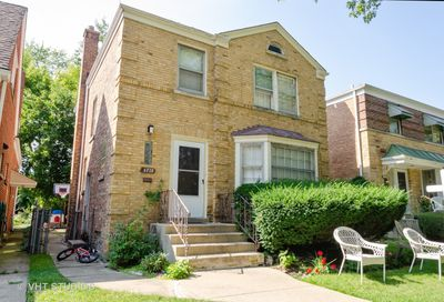 6720 North Mozart Street Chicago IL 60645