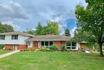 299 Uvedale Road Riverside IL 60546