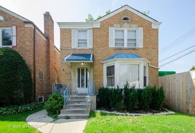 6742 North Richmond Street Chicago IL 60645