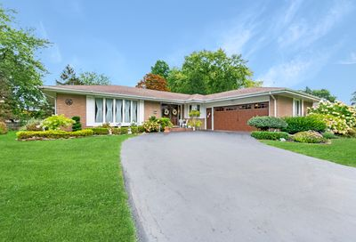 11 South Country Squire Road Palos Heights IL 60463