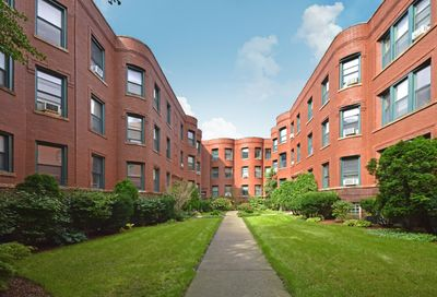828 West Lakeside Place Chicago IL 60640