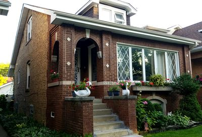 5239 North Ludlam Avenue Chicago IL 60630