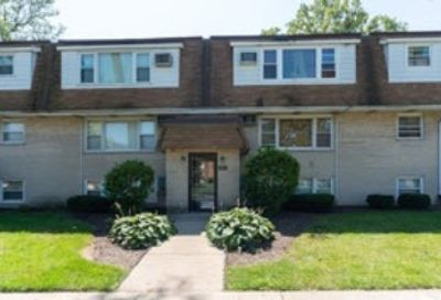 9907 West 58th Street Countryside IL 60525