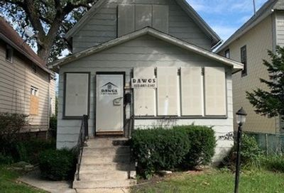 8853 South Wallace Street Chicago IL 60620