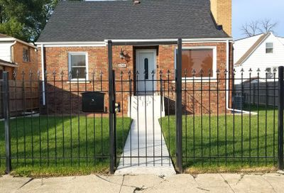 1740 West Edmaire Street Chicago IL 60643