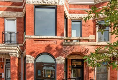 826 East 47th Place Chicago IL 60615