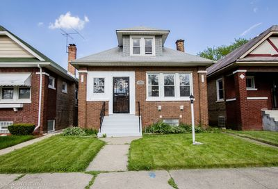 8917 South Elizabeth Street Chicago IL 60620