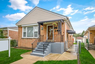 6534 North Albany Avenue Chicago IL 60645