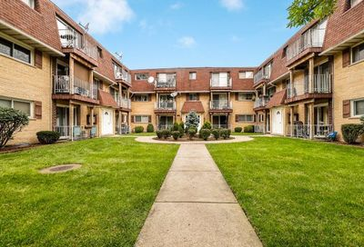 8542 West Catherine Avenue Chicago IL 60656