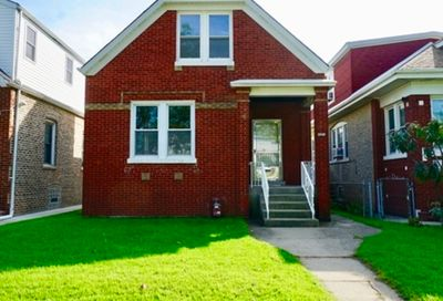 4851 West Hirsch Street Chicago IL 60651