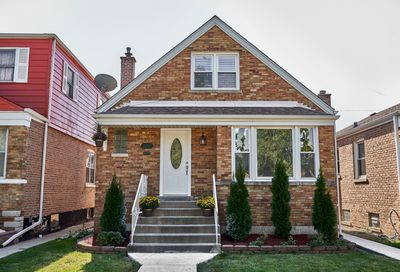 3841 West 70th Street Chicago IL 60629