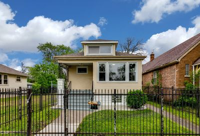 10141 South Perry Avenue Chicago IL 60628