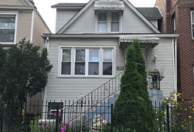 4328 North Whipple Street Chicago IL 60618
