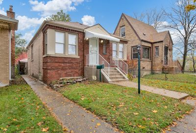 10004 South Eberhart Avenue Chicago IL 60628
