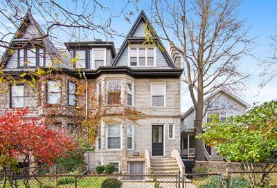 4452 North Hermitage Avenue Chicago IL 60640