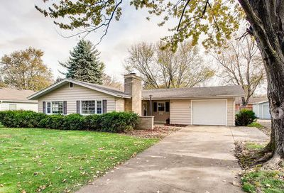 19 South Sycamore Lane North Aurora IL 60542