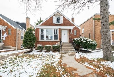 8118 South Spaulding Street Chicago IL 60652
