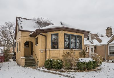 5824 North Kilbourn Avenue Chicago IL 60646
