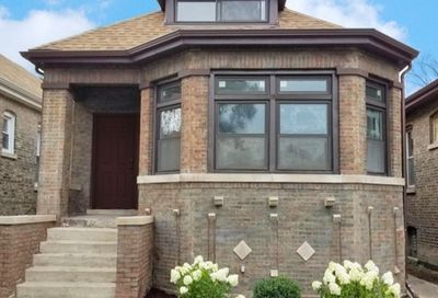 8638 South Loomis Boulevard Chicago IL 60620
