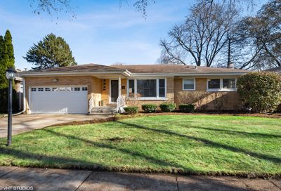 221 South Forrest Avenue Arlington Heights IL 60004