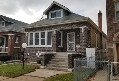 9006 South Throop Street Chicago IL 60620
