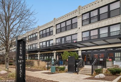 1069 West 14th Place Chicago IL 60608