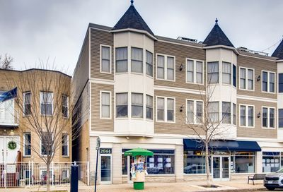 2044 West Roscoe Street Chicago IL 60618